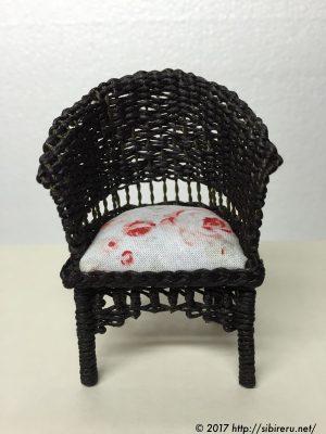 ミニチュア籐椅子手直し