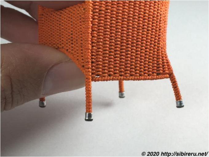 ミニチュア籐椅子足部
