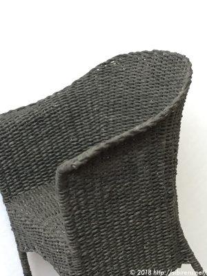 ミニチュア籐椅子横から