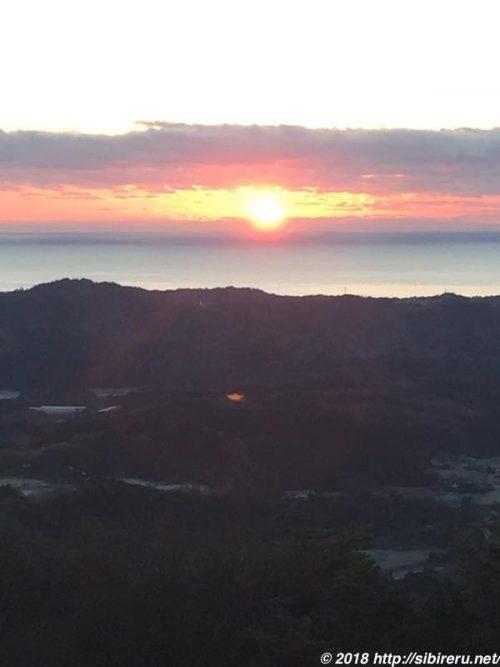 マウントあかねからの日の出の景色