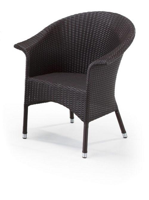 モデルの籐椅子